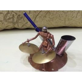 Подставка для ручек – ударник - барабанщик. Стимпанк